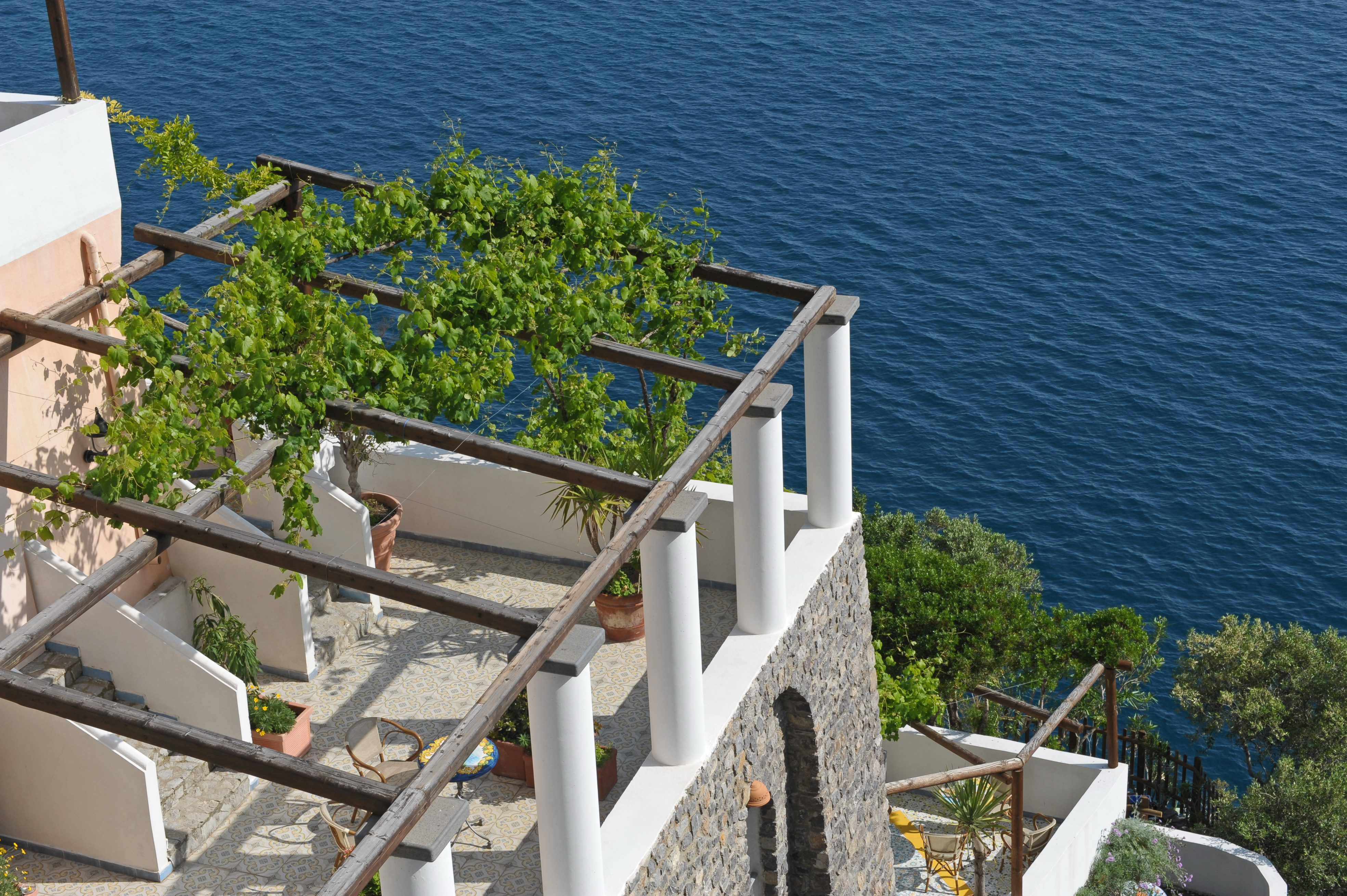 La locanda del fiordo hotel in costiera amalfitana a furore for Soggiorno costiera amalfitana