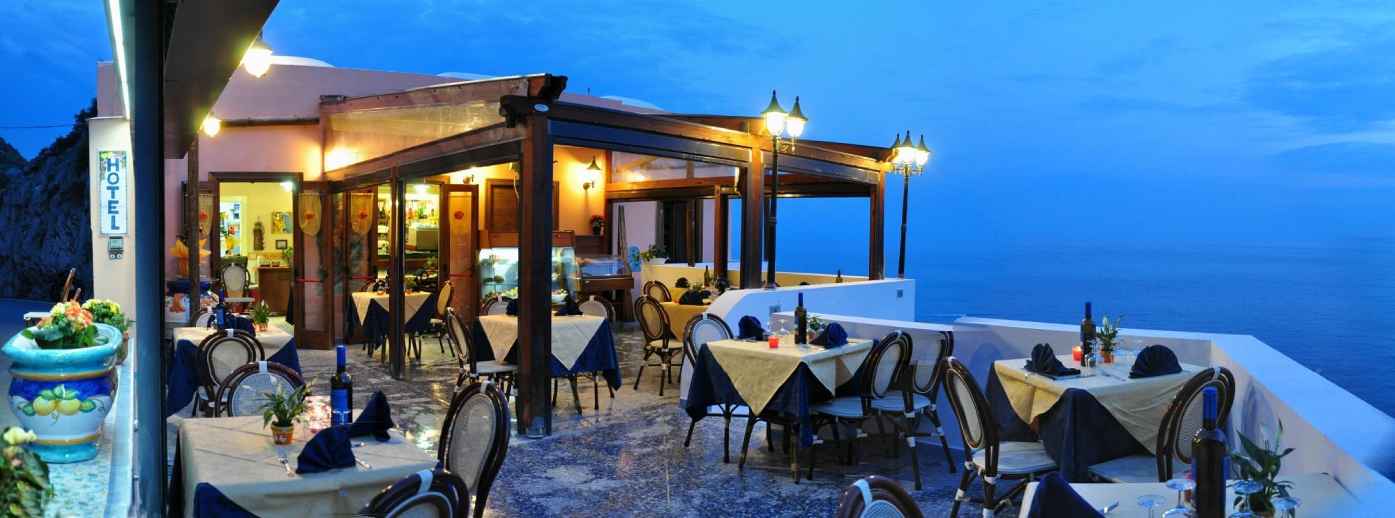 Ristorante in Costiera Amalfitana a Furore con terrazza sul mare